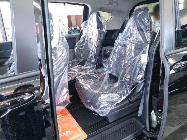 新型フリードの後部座席画像